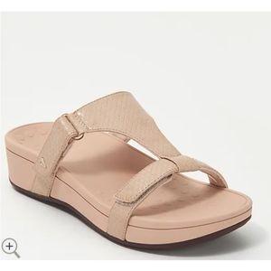 Vionic Ellie Tan Embossed Platform Slide Sandals